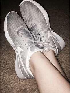 Original Nike Tanjun Shoes