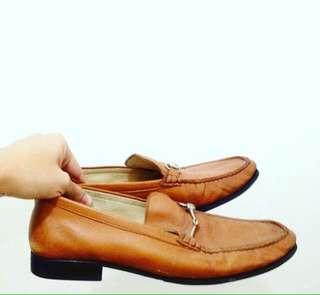 Classy brown shoes for men
