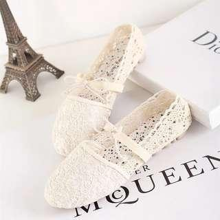 🚚 Lace Ballet Flats with Strap
