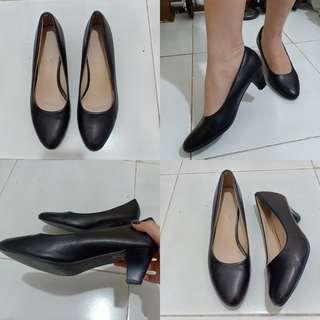 2 inches Leather Closed Shoes