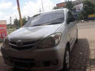 Daihatsu xenia xi 2010