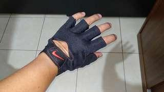 Sarung Tangan Nike Gym Fitness Gloves New Black Edition BNIB New Edition