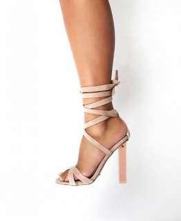 Tony Bianco komma translucent heel