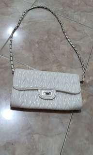 Tas selempang putih glossy