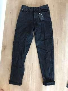 Mom jeans size 8 black
