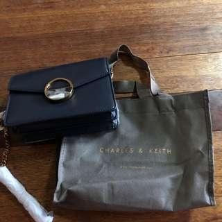 CHARLES & KEITH BRAND NEW NAVY SLING CHAIN bAG