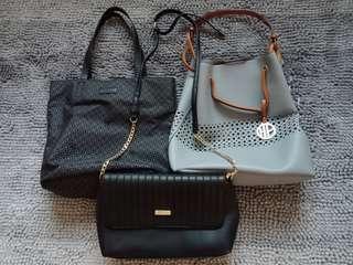 Assorted handbags in bundle