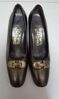 100% Real Salvatore Ferragamo Shoes Size: 6C