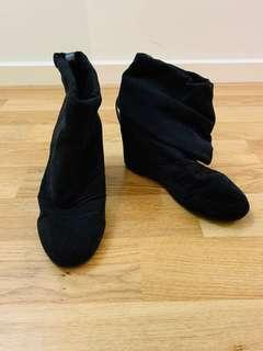 Black Brand New Boots