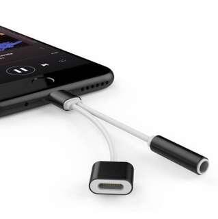 🚚 New Black 2 in 1 Iphone Splitter 3.5mm Audio Jack Data Cable