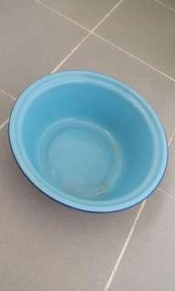 #blessing. Metal washing basin. Approx 26cm diameter at top and 10cm height. Pleasant blue. Not for fussies. Exchange for 1 box of tissue will do