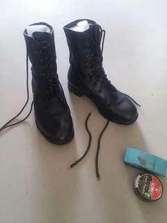 Last pair in the world : 2nd generation Super Duper Army Boot (SAF)