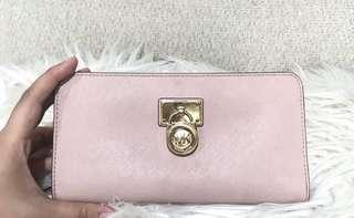 Michael kors hamilton travel wallet (pink nude)
