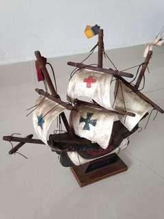 🚚 Wooden Ship Queen - Historic Vintage Sailing Wood Ship