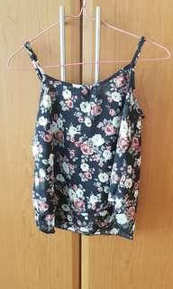 🚚 Black pretty pink and white roses floral spag top