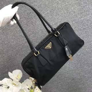 特價🉐️正品Prada 黑色降落傘尼龍輕便手提肩背豆腐包 古董包 古著