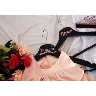[Limited] Customised Wedding Hangers Black Rose Gold
