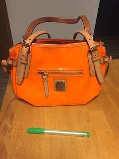 🚚 Dooney & Bourke bag
