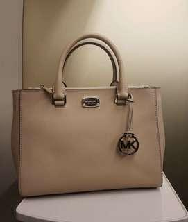 Authentic MK hand bag w/ sling