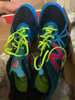 New Balance 跑步釘鞋