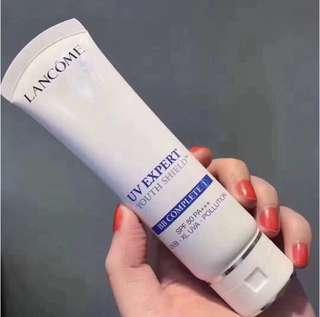 Lancome LANCÔME UV Expert Youth Shield™ Milky Bright 全方位防禦抗曬乳霜SPF 50 / PA ++++ 50ml  無油質感如玫瑰花瓣輕盈