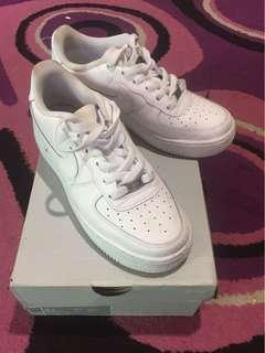 NIKE AIR FORCE 1  💯 % AUTHENTIC