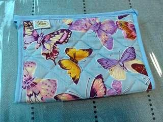 🚚 Butterfly pouch