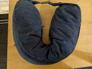Travel pillow - Grey