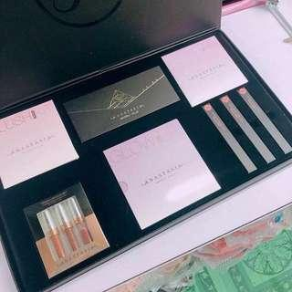 Anastasia Make up set