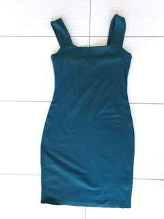 EUC ✨ Deep green mini dress | Kookai | size 2 (fit AU 10–12)