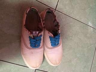 North Star Sepatu
