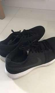 🚚 Nike men's shoes us13