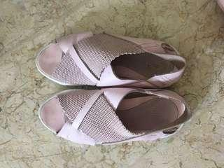 Nike Air Huarache Ultra sandal pink