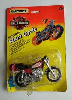 Matchbox Motorized Stunt Cycle 兩架