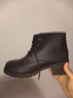 低根靴 25號 可議價、換物