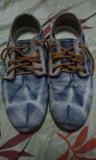 Sepatu zara size 42