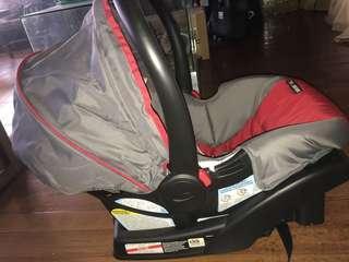 Graco Snugride Click Connect Infant car seat