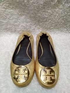 Authentic Tory Burch flats size 8.5