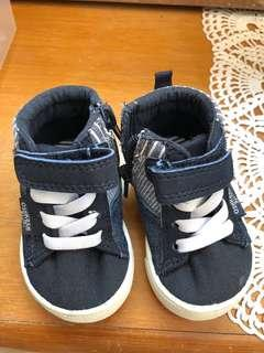 🚚 Baby Sneakers Oshkosh B'gosh
