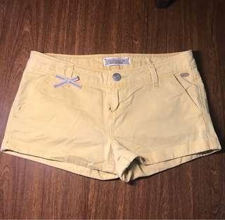 Stradivirus Yellow Shorts