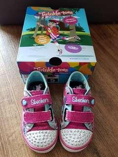 🚚 Sketchers  Twinkle Toes light up shoes size US5