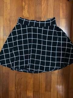 Brandnew Grid elastic skirt
