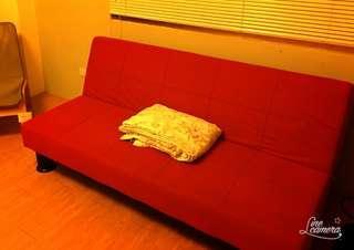 IKEA紅色沙發床