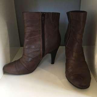 stiletto ankle boots size uk5