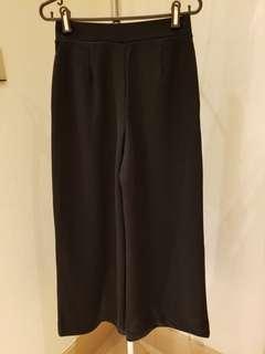 uniqlo black cotton wide legged pants