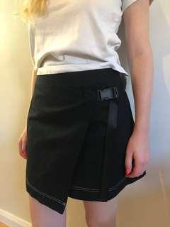 Black Clip skirt one size