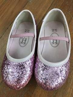 🚚 Girls Glitter Pink Court Shoes