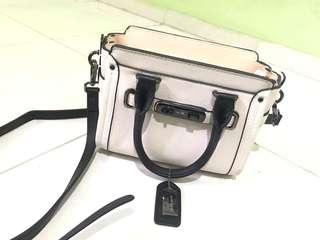 Coach Swagger Carryal Bag