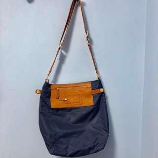 Tough navy nylon cross bag 單肩/則揹深藍色尼龍袋