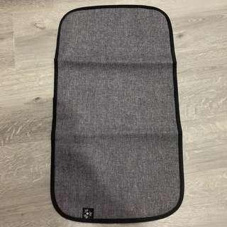🚚 Jujube graphite changing pad